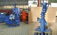 (li) externe Kolbenmembranpumpe 30 m³/h, (re) Zerhacker mit Steinfang